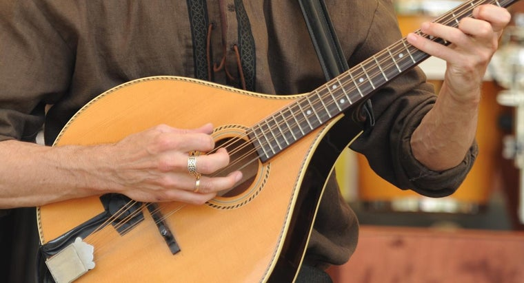 stringed-instruments-make-sound
