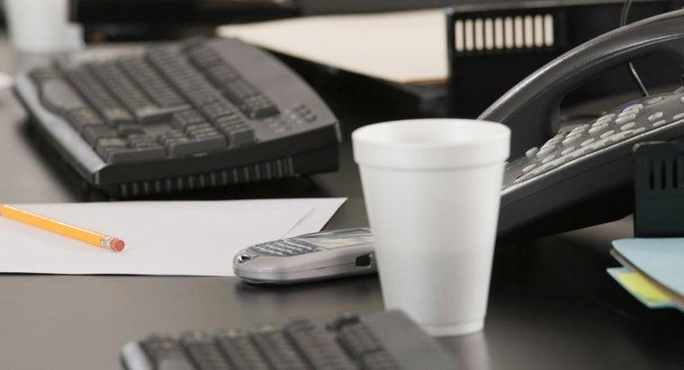 styrofoam-cups-keep-liquid-warm