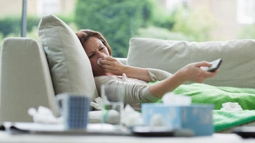 How Are the Symptoms of the Flu Virus Different From Those of the Common Cold?