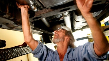 What Are the Symptoms of a Clogged Catalytic Converter?