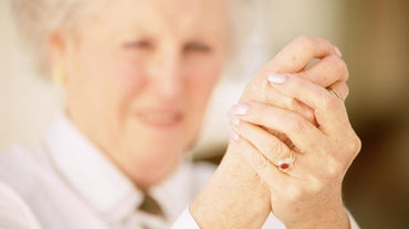 What Are the Symptoms of Rheumatoid Arthritis in Your Fingers?