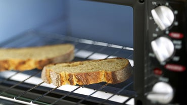 What Things Can You Cook in a Black & Decker Toaster Oven?