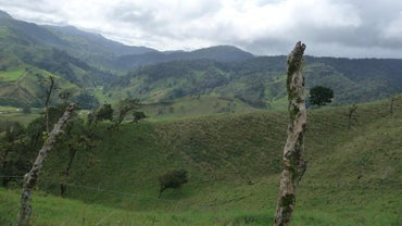 What Are Three Famous Landmarks in Costa Rica?