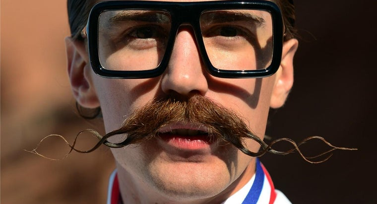 tips-growing-mustache-fast