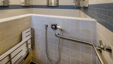 What Are Tips for Placing Shower Grab Bars?