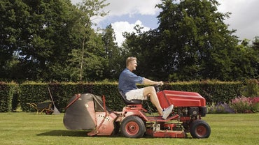 What Are the Top Brands for Riding Lawn Mowers?