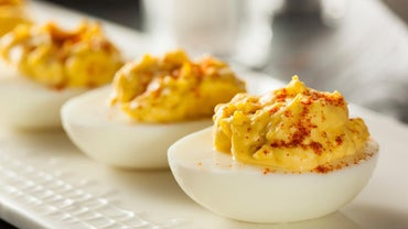 What Is a Traditional Deviled Eggs Recipe?