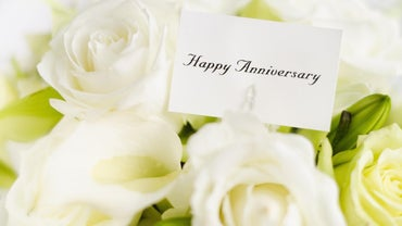 What Are Some Traditional Gifts for a 23rd Wedding Anniversary?