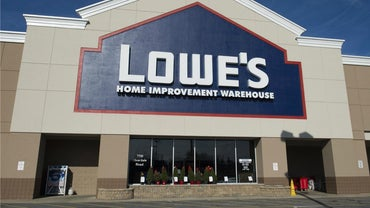 What Are Some Types of Wall Paneling at Lowes?