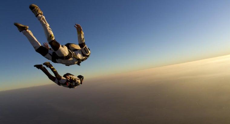 upward-force-object-falling-through-air