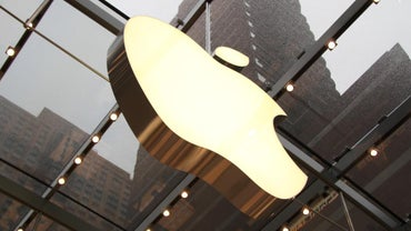 How Do You Use the Apple Store Locator?