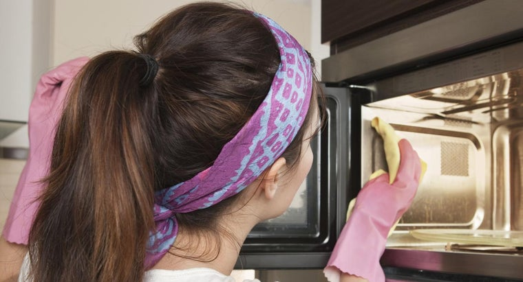 use-commercial-microwave-oven-cleaner