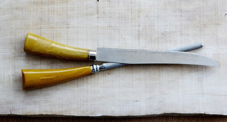 How Do You Find the Value of Antique Knives? | Reference com