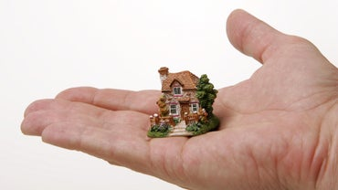 What Is the Value of David Winter Cottage Collectibles?