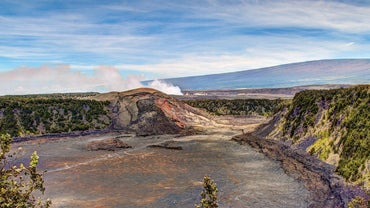 What Are Some Facts About Volcanoes in Hawaii?