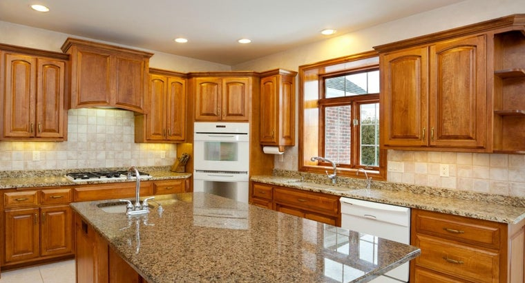 What Is the Best Way to Clean Oak Kitchen Cabinets ...