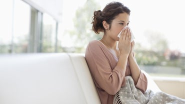 What Are Some Ways to Treat the Symptoms of a Head Cold?