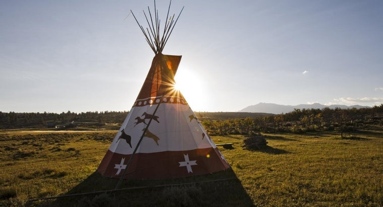 What Were the Blackfoot Indians' Houses Like? | Reference com