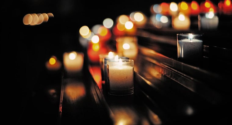 were-candles-made-colonial-times