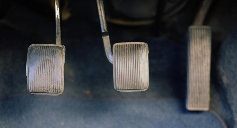 causes-heavy-clutch-pedal