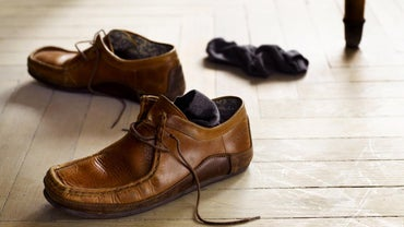 What Colors Match Brown Shoes?