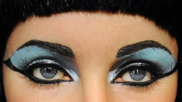 What Did Cleopatra Wear?