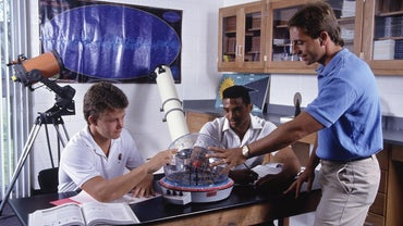 What Types of Equipment Do Astronomers Use?