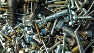 What Is the Difference Between a Screw and Bolt?
