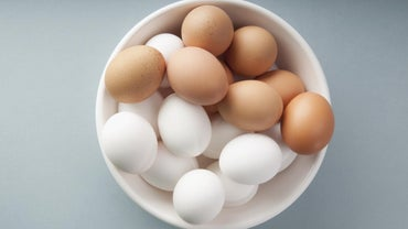 Are White Eggs Bleached?