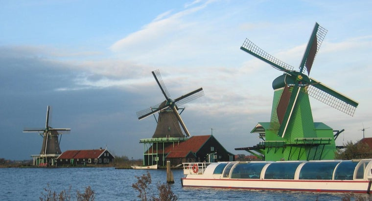windmill-produce-electricity