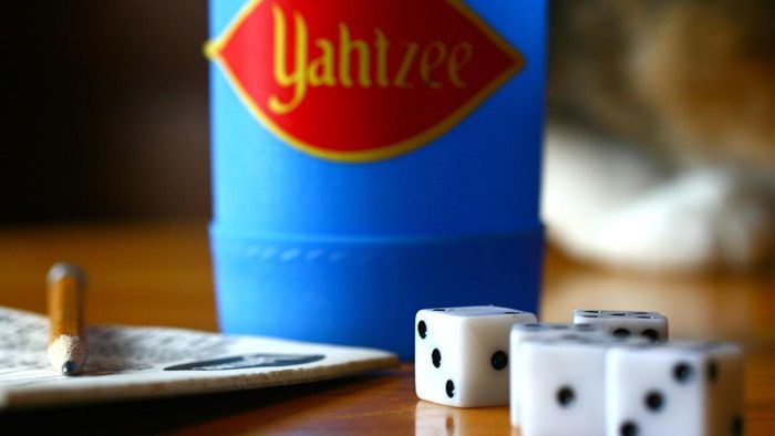 What Are the Rules for the Game Yahtzee?