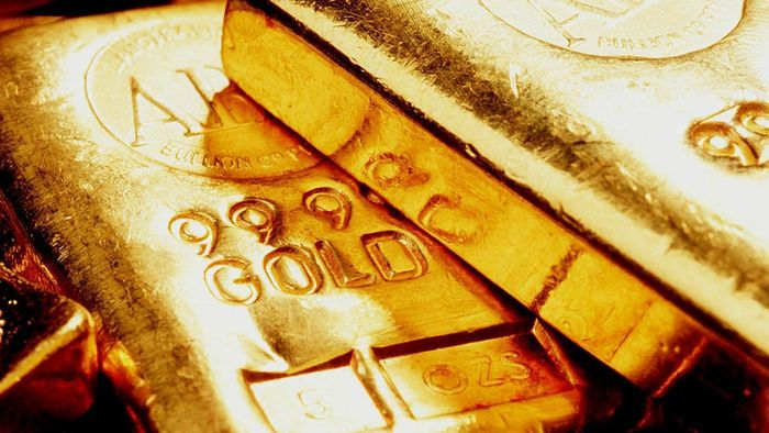 What Determines the Value of Gold Per Ounce?