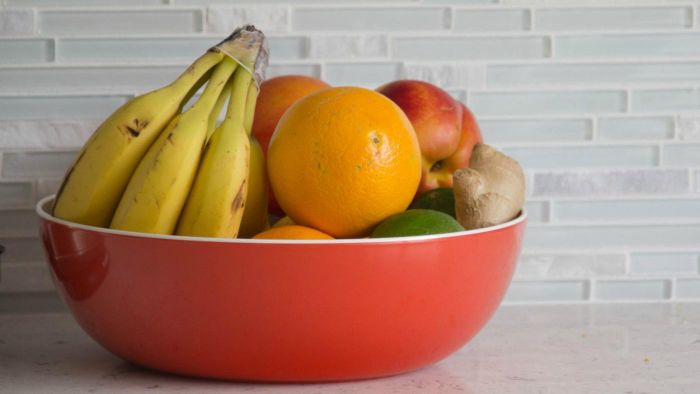 What Kinds of Fruits Can Diabetics Eat?