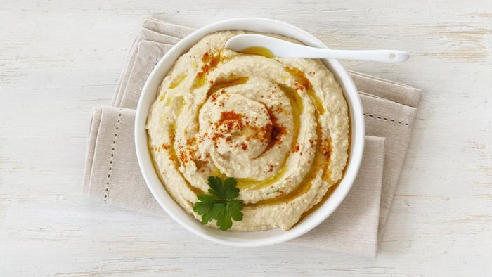 What Is a Simple Recipe for Hummus Dip?