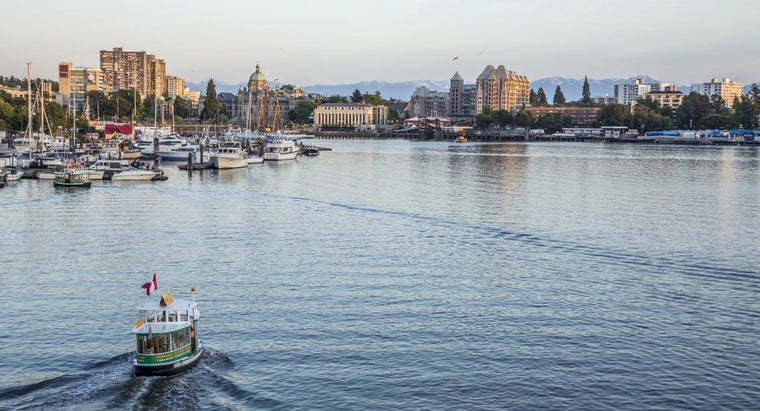 Who Publishes the Victoria, BC, Telephone Directory?