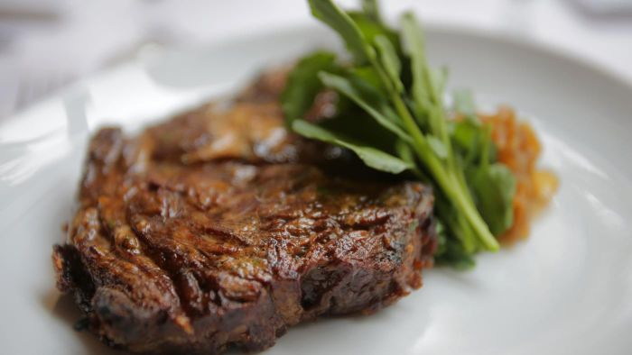 Do Steaks Broiled in the Oven Tend to Dry Out?