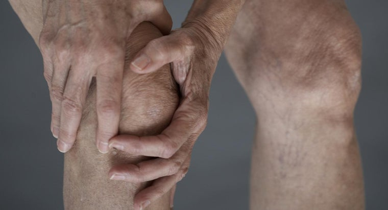 What Causes Sciatic Nerve and Knee Pain?