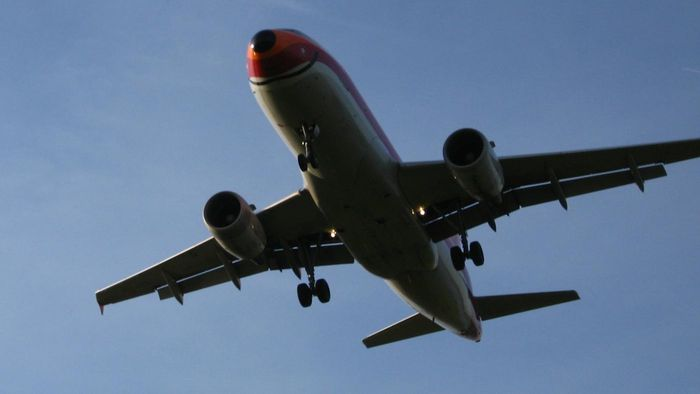 What is the US Airways customer service phone number?