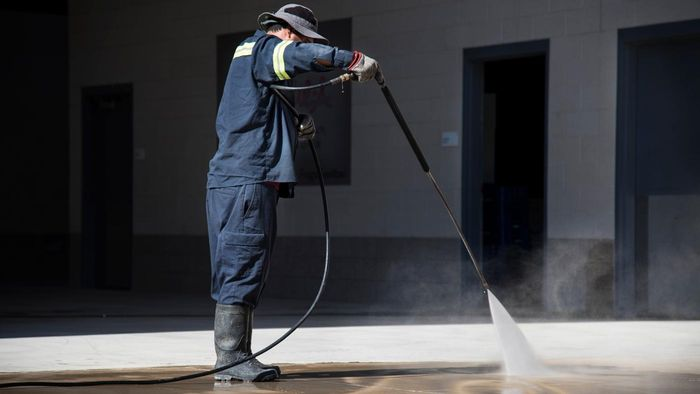 How Do You Use Muriatic Acid To Clean Concrete