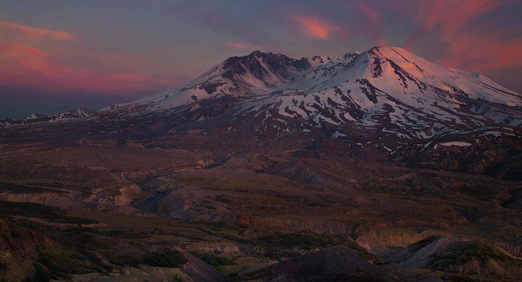 How Big Is Mount St. Helens?