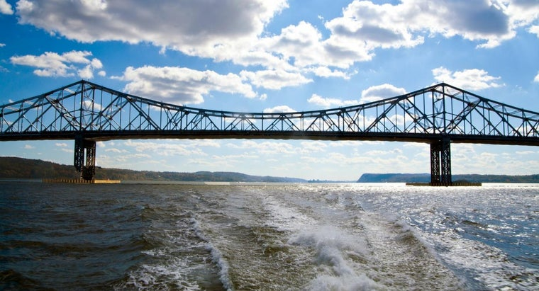 What Is the History of the Tappan Zee Bridge in New York?