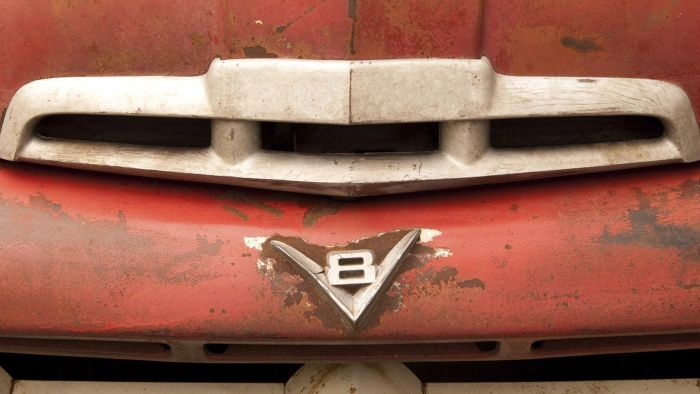 How Can You Make Your Own Custom Truck Emblem?