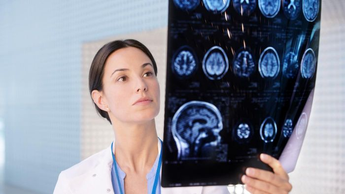 What Does a Neurologist Do?