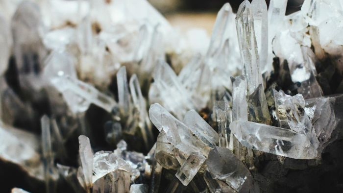 How do crystals form?