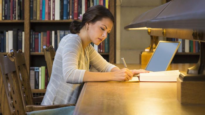 What Is in a Scholarship Application?