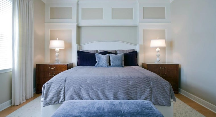 What Are the Dimensions of the Average Oversized King Comforter Set?
