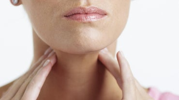 What Are Some Natural Cures for Strep Throat?