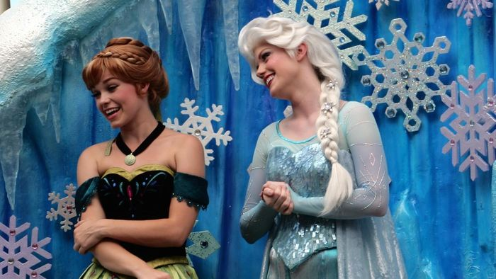 Where Can You Buy Elsa Costumes to Play Dress-Up?