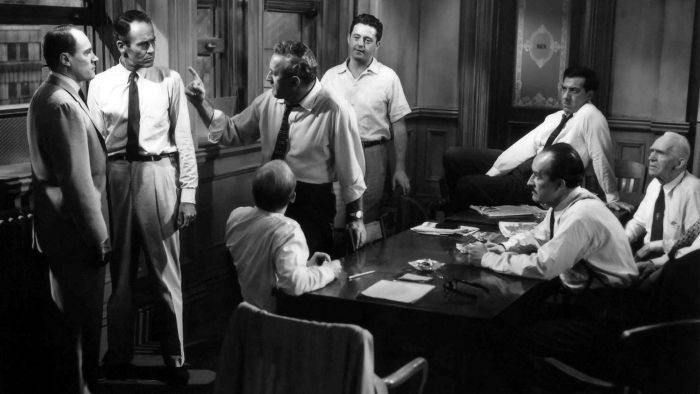 "What Is a Summary of ""12 Angry Men""?"