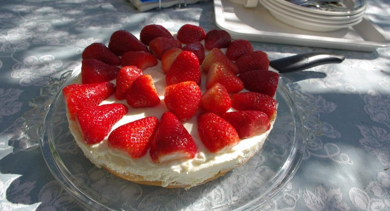 What Are Some Cheesecake Topping Ideas?